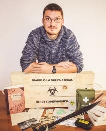 """Juan Navarro Galán, autor del libro zombie """"Diario Z: La Nueva Atenas"""""""